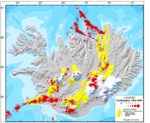 Jarðskjálftavirkni á Íslandi 1994 - 2004. Myndin sýnir eldvirku svæðin og megineldstöðvar (Gunnar B. Guðmundsson 2005)